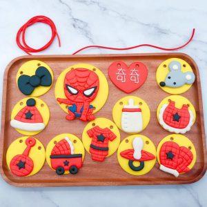 蜘蛛人收涎餅乾推薦,寶寶客製化收涎餅乾宅配